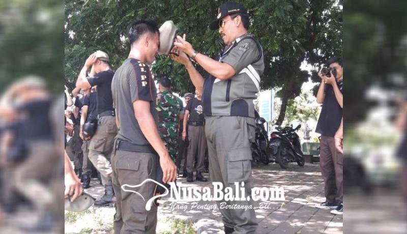 www.nusabali.com-23-personel-satpol-pp-dibaret