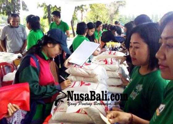 Nusabali.com - pasar-murah-digelontor-2-ton-beras