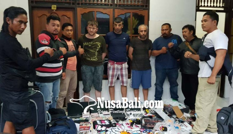 www.nusabali.com-polisi-cocokkan-72-kartu-atm-dengan-nomor-rekening-tersangka