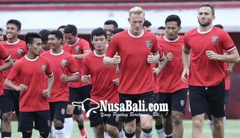 www.nusabali.com-boyong-21-pemain-ke-vietnam