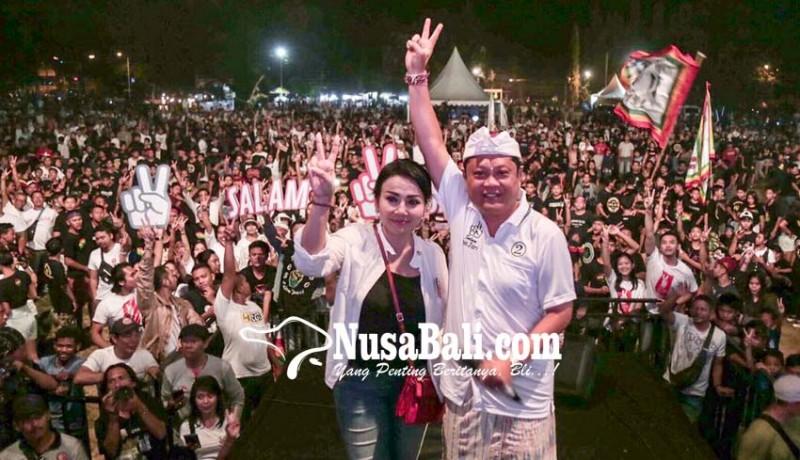 www.nusabali.com-konser-salam-dua-jari-goyang-gianyar