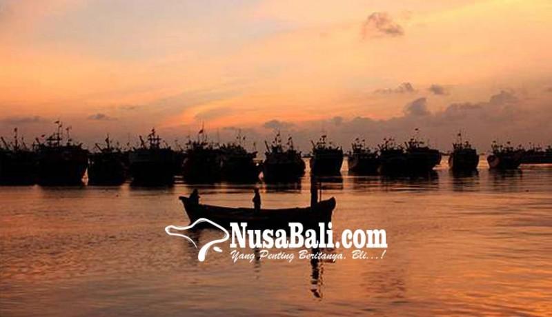 www.nusabali.com-diskan-bantu-nelayan-23-jukung-fiber-dan-24-unit-mesin-tempel