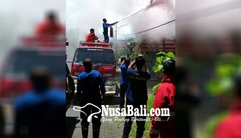 www.nusabali.com-kabel-pln-terbakar-warga-sangkaragung-waswas-api-merembet-ke-pemukiman