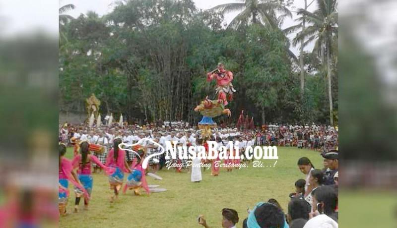 www.nusabali.com-desa-tembuku-gelar-parade-ogoh-ogoh