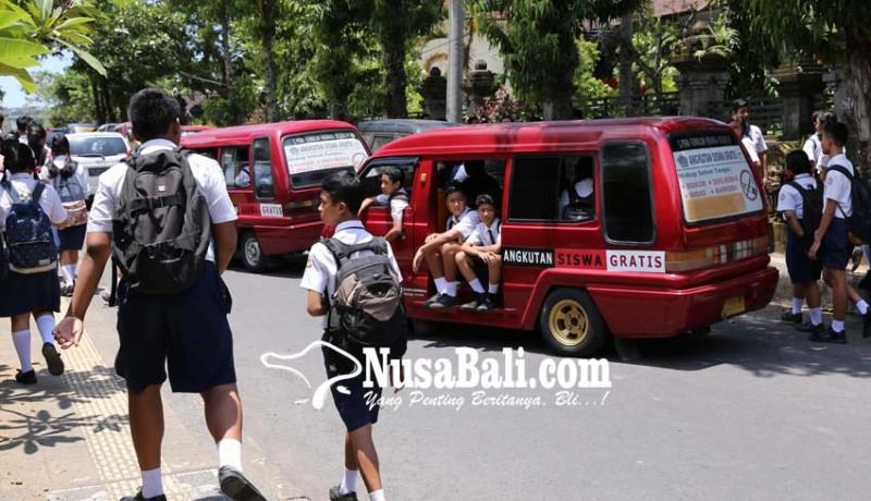 www.nusabali.com-angkutan-siswa-gratis-berdampak-positif