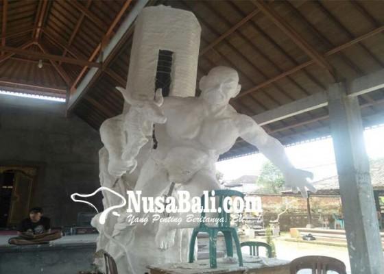 Nusabali.com - st-yowana-murti-cakti-buat-kulkul-pajenengan
