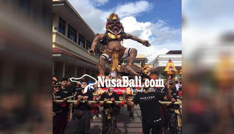 www.nusabali.com-parade-ogoh-ogoh-mahasiswa-hindu-adu-gengsi-antar-kampus