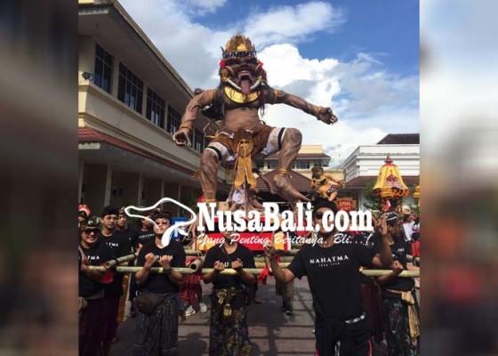 Nusabali.com - parade-ogoh-ogoh-mahasiswa-hindu-adu-gengsi-antar-kampus
