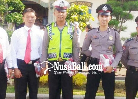 Nusabali.com - 5-anggota-polsek-gilimanuk-terima-penghargaan-kapolres