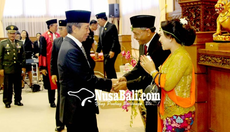 www.nusabali.com-suyasa-tegang-saat-ucapkan-sumpah