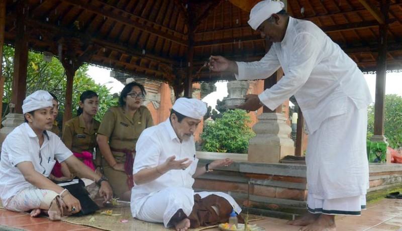 www.nusabali.com-harry-yudha-saka-mapamit