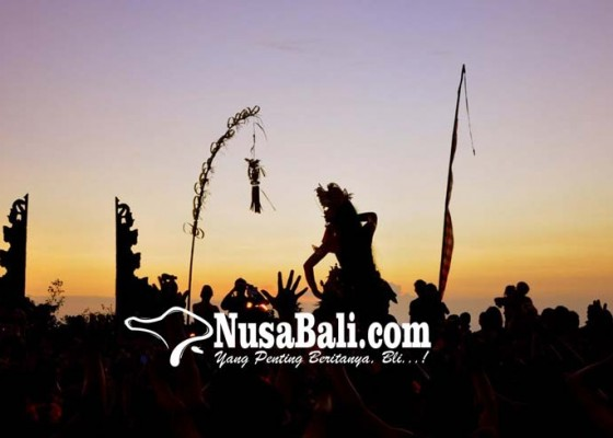 Nusabali.com - polres-buleleng-terjunkan-560-personel-kawal-pengarakan-ogoh-ogoh
