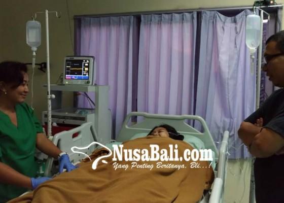 Nusabali.com - keracunan-ibu-hamil-dipaksa-melahirkan