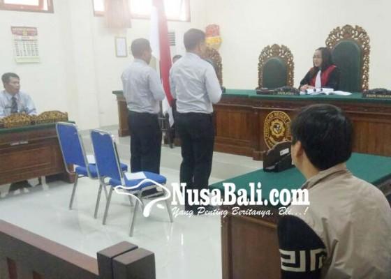 Nusabali.com - guide-ilegal-diganjar-denda-rp-200-ribu