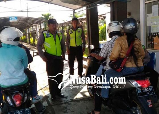 Nusabali.com - sehari-usai-nyepi-48543-penumpang-masuk-bali