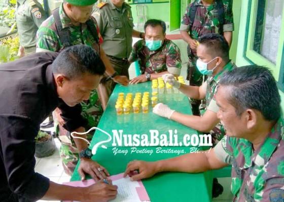 Nusabali.com - anggota-kodim-tabanan-jalani-tes-urine