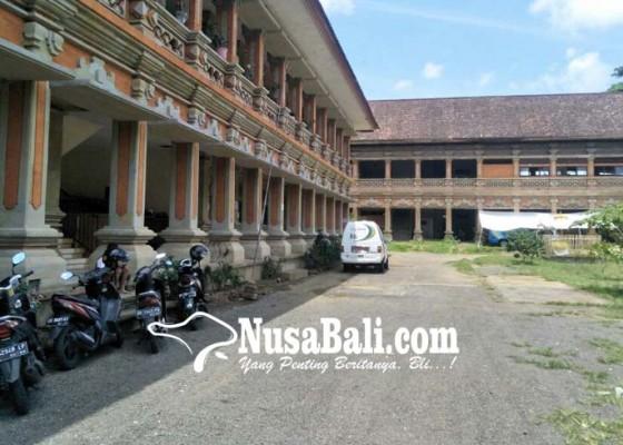 Nusabali.com - bupati-bangli-ingin-buat-sentral-parkir