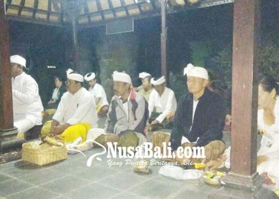Nusabali.com - saraswati-di-smpn-1-bangli-sebelum-sunrise