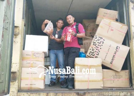 Nusabali.com - polsek-gilimanuk-amankan-belasan-koli-daging
