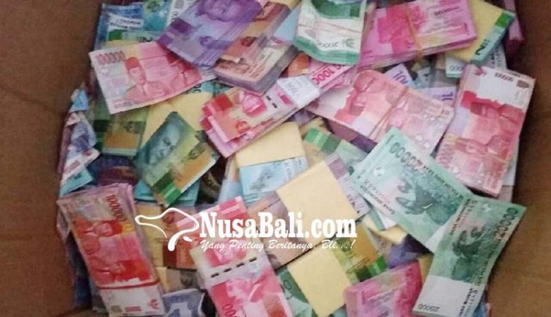 www.nusabali.com-nasabah-pakai-uang-mainan