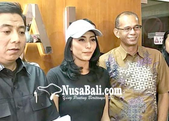Nusabali.com - dituduh-menculik-tyas-mirasih-lapor-polisi