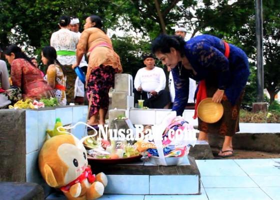 Nusabali.com - tradisi-mamunjung-tak-kalah-meriah-dengan-galungan