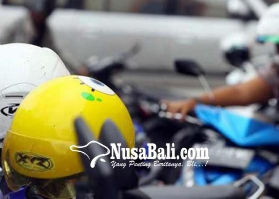 Nusabali.com - terekam-cctv-maling-helm-tercyduk