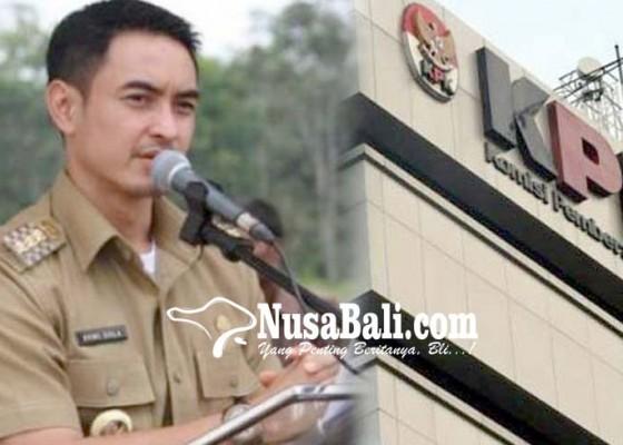 Nusabali.com - ironis-zumi-zola-buka-acara-kpk