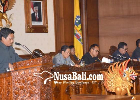 Nusabali.com - dprd-bali-ketok-palu-dua-raperda