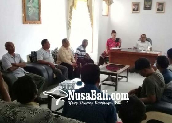 Nusabali.com - keluhkan-urusan-setifikat-tanah-warga-yeh-sumbul-masadu-ke-dewan
