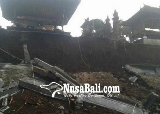 Nusabali.com - panyengker-pura-dalem-desa-karyasari-ambruk