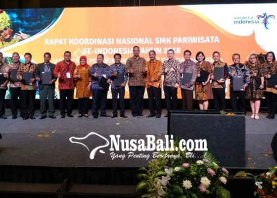 Nusabali.com - lulusan-smk-lebih-banyak-tak-terserap-industri-kerja