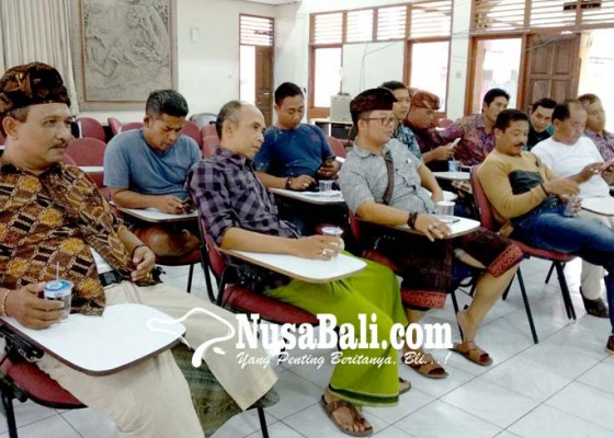 Nusabali.com - perjuangkan-sopir-kontrak-agar-dapat-uang-jalan
