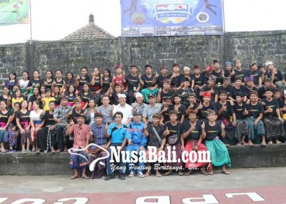 Nusabali.com - wabup-sedana-arta-buka-turnamen-voli-di-banjar-penaga