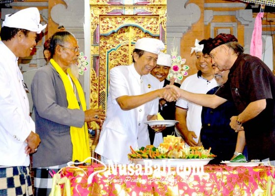 Nusabali.com - hadiri-mahasabha-vi-pgsdt-gubernur-pastika-harapkan-pengurus-bangun-pratisentana-yang-sakti