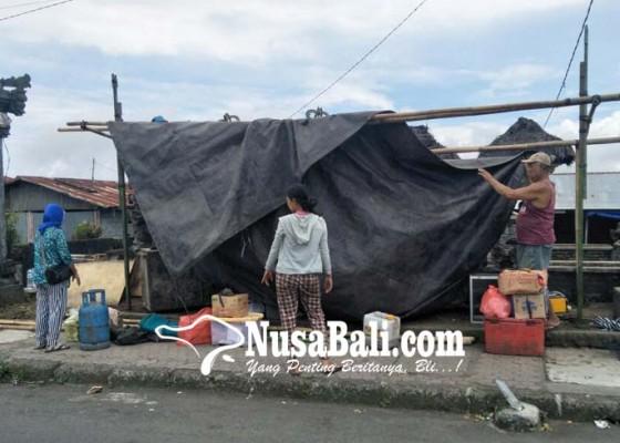Nusabali.com - pedagang-musiman-berharap-rezeki-ngusaba-kadasa