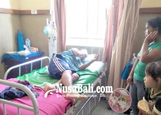 Nusabali.com - dua-pekerja-pdam-bangli-masih-dirawat