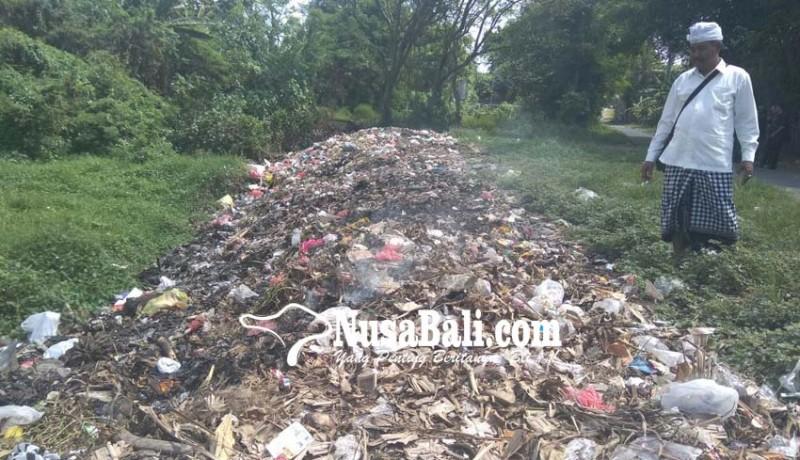 www.nusabali.com-warga-keluhkan-pembakaran-sampah