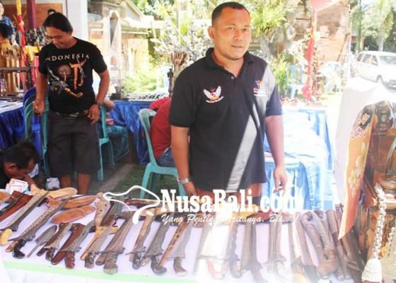 Nusabali.com - paguyuban-semar-sanjiwata-pameran-keris-di-puri-peliatan