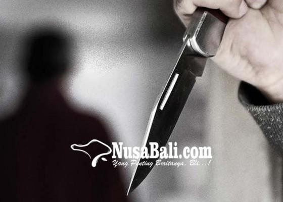 Nusabali.com - tugas-malam-polisi-kena-tusuk
