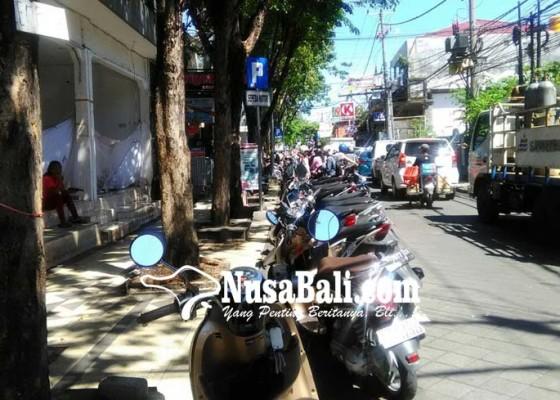 Nusabali.com - dishubkominfo-kaji-perparkiran-berbasis-teknologi