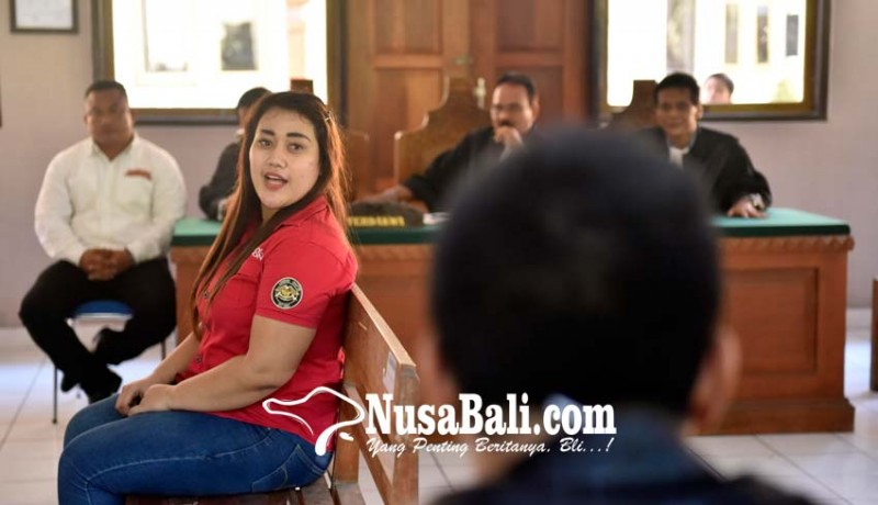 www.nusabali.com-giliran-istri-ketiga-jro-jangol-diperiksa