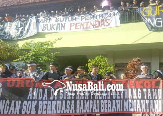 Nusabali.com - kasek-sma-negeri-2-malang-dicopot