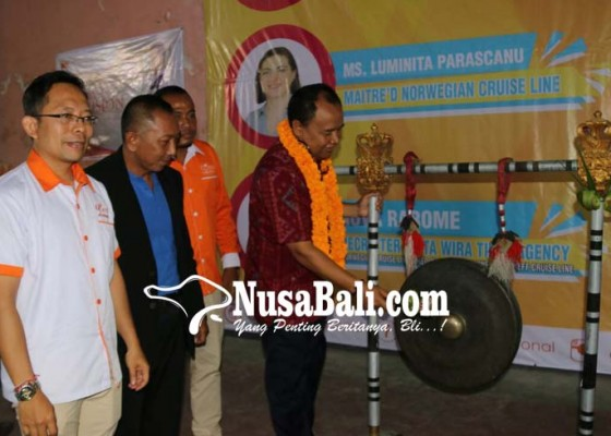Nusabali.com - bupati-buka-seminar-akbar-cara-cepat-bekerja-ke-luar-negeri