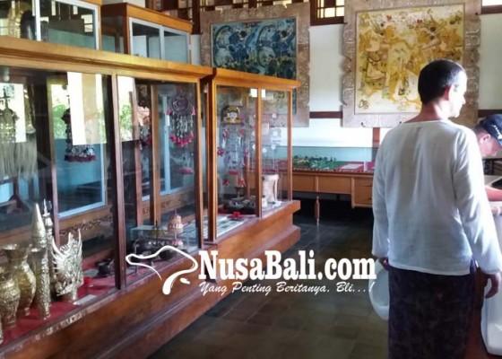Nusabali.com - pengunjung-lokal-ke-museum-minim