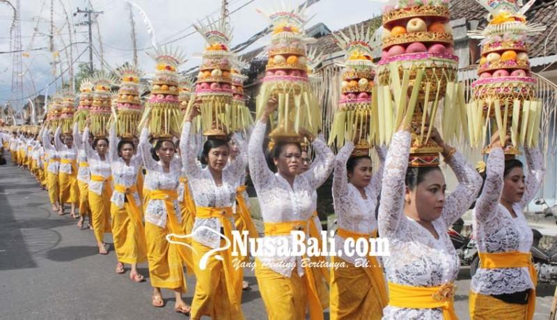 www.nusabali.com-nganyarin-krama-eka-darma-mapeed-ke-bale-agung