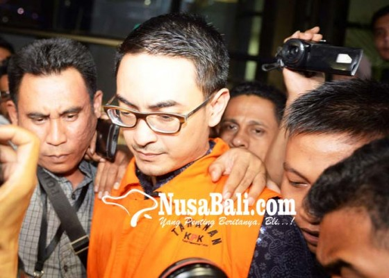 Nusabali.com - ditahan-kpk-zumi-zola-murung