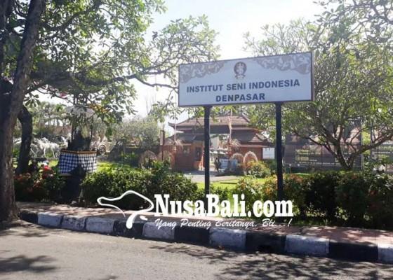 Nusabali.com - prof-suryani-kritisi-plang-isi-di-depan-art-centre