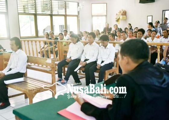 Nusabali.com - empat-pembunuh-polisi-didakwa-hukuman-mati