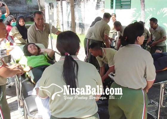 Nusabali.com - perawat-pegawai-dan-dokter-panik